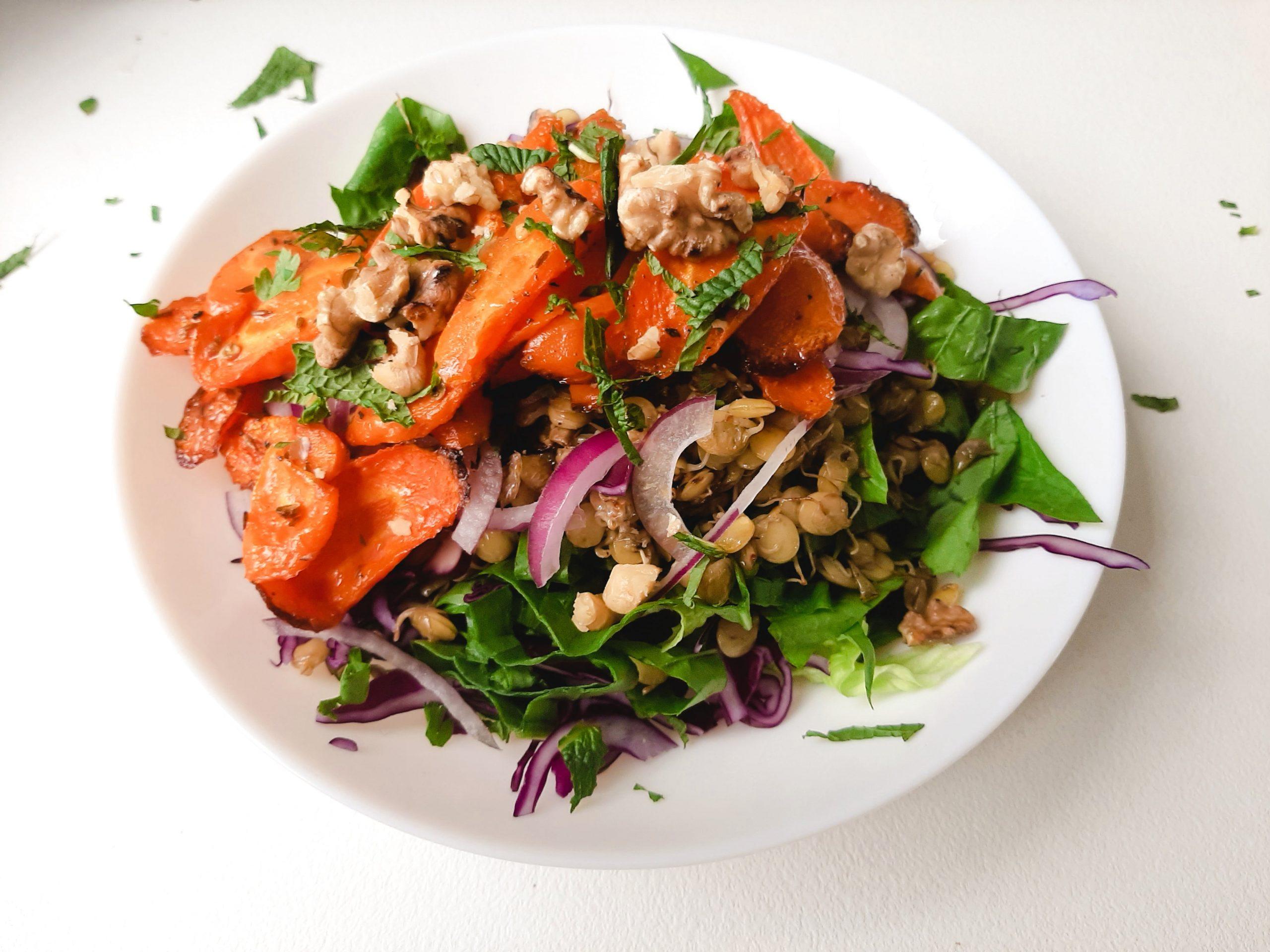 marokietiskos morku ir lesiu salotos